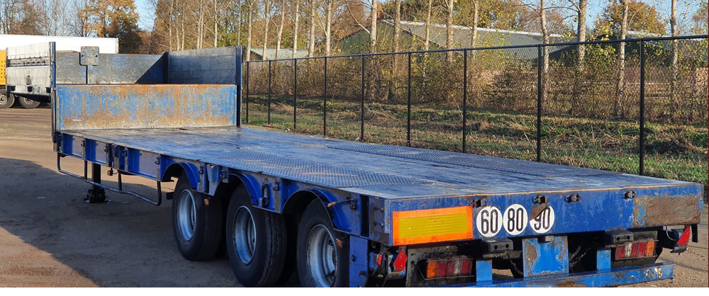About flatbed semi-trailer